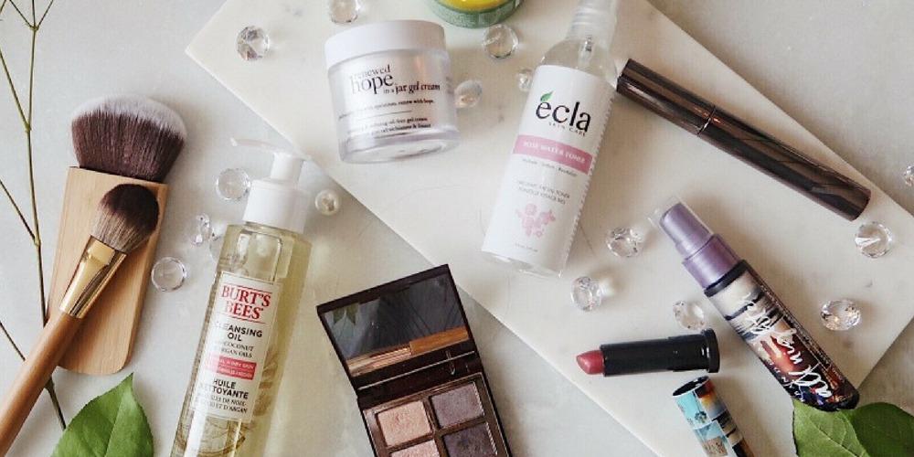July 2018 Favorites 1 Philosophy Cream Lise waiter Mascara Kiehls Burts bee oil cleanser Charlotte Tilbury eyeshadow Urban Decay lipstick born to run 3