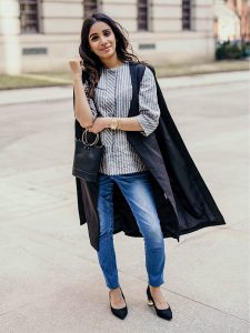 SincerelyHumble Faiza Inam OOTD Fashion style icon trench coat shein express crossbag pregnancy style cape coat style