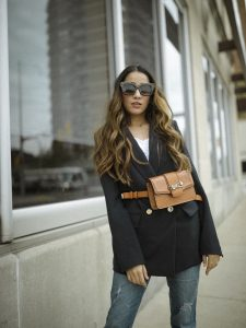 How to style belt bags navy blue blazer summer 2019 trending chic street style look faiza inam 1