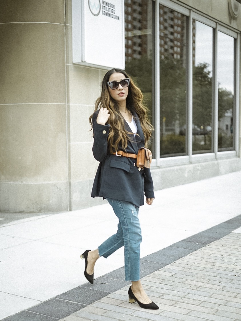 How to style belt bags navy blue blazer summer 2019 trending chic street style look faiza inam 3