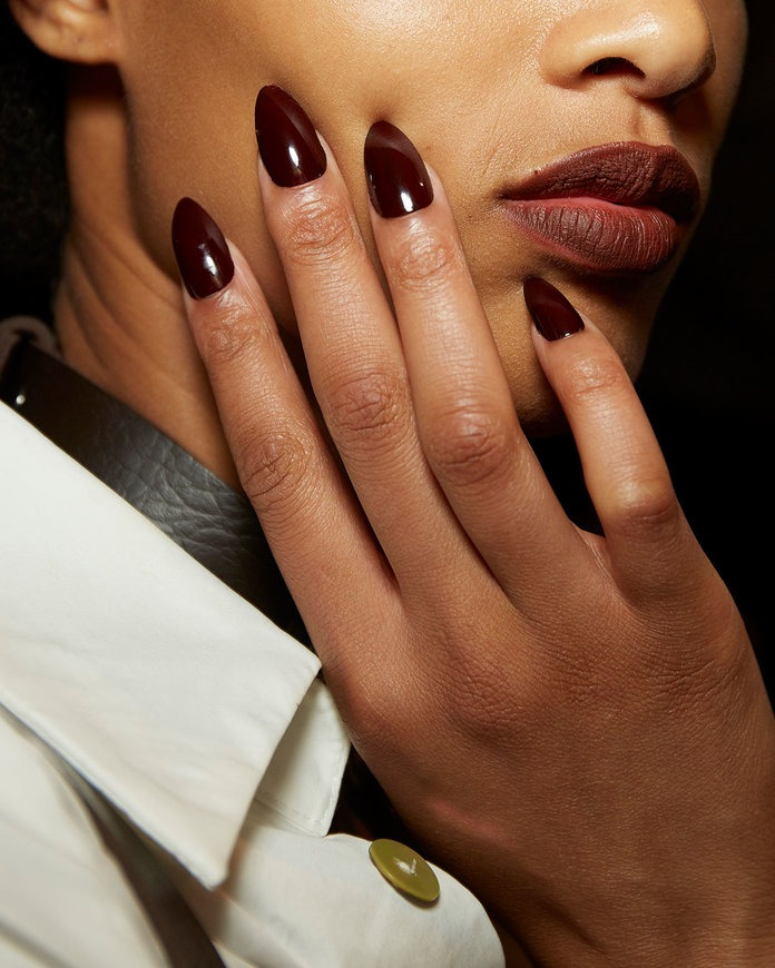 nyfw manicure Tommy X Zendaya TommyXZendaya top trends nails essie sincerelyhumble blog