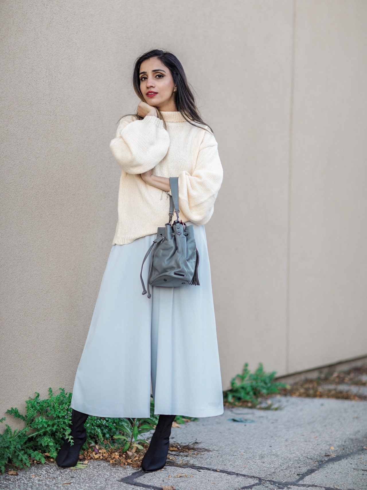 Fall Pieces To Make You Look Expensive Faiza Inam SincerelyHumble Blog Sincerely Humble Fall style fashion elegant fashion forward sock boots sweater 2