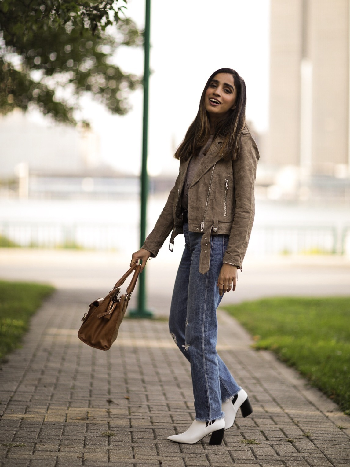 Fall Basics That Can Actually Make You Look Trendy Leather Shoulder Bag button down shirt 2019 trend Faiza Inam 2