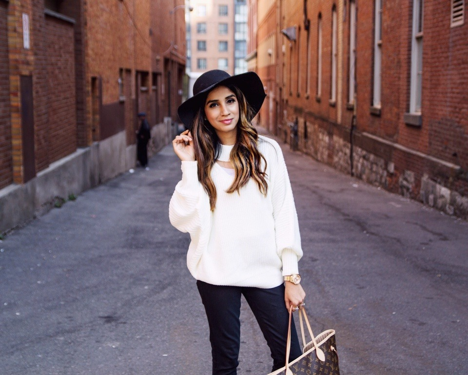 How to Style Sweater to Look More this Season Skirt Coats Boots Long Ankle Sneakers Faiza Inam Sincerelyhumble Blog 3