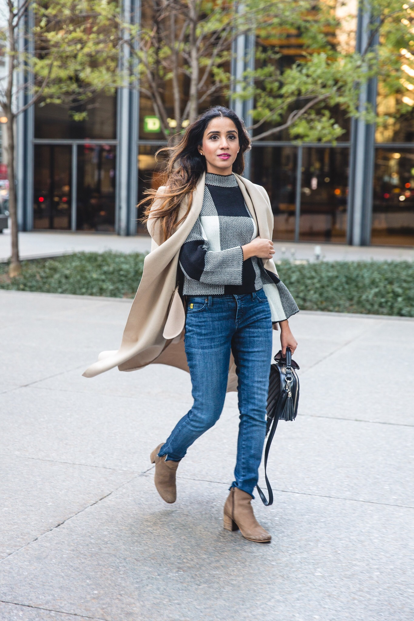 5 Fall Staples You Need in Your Closet sincerelyhumble faiza inam fall wardrobe staples look 2020 must haves full look 2