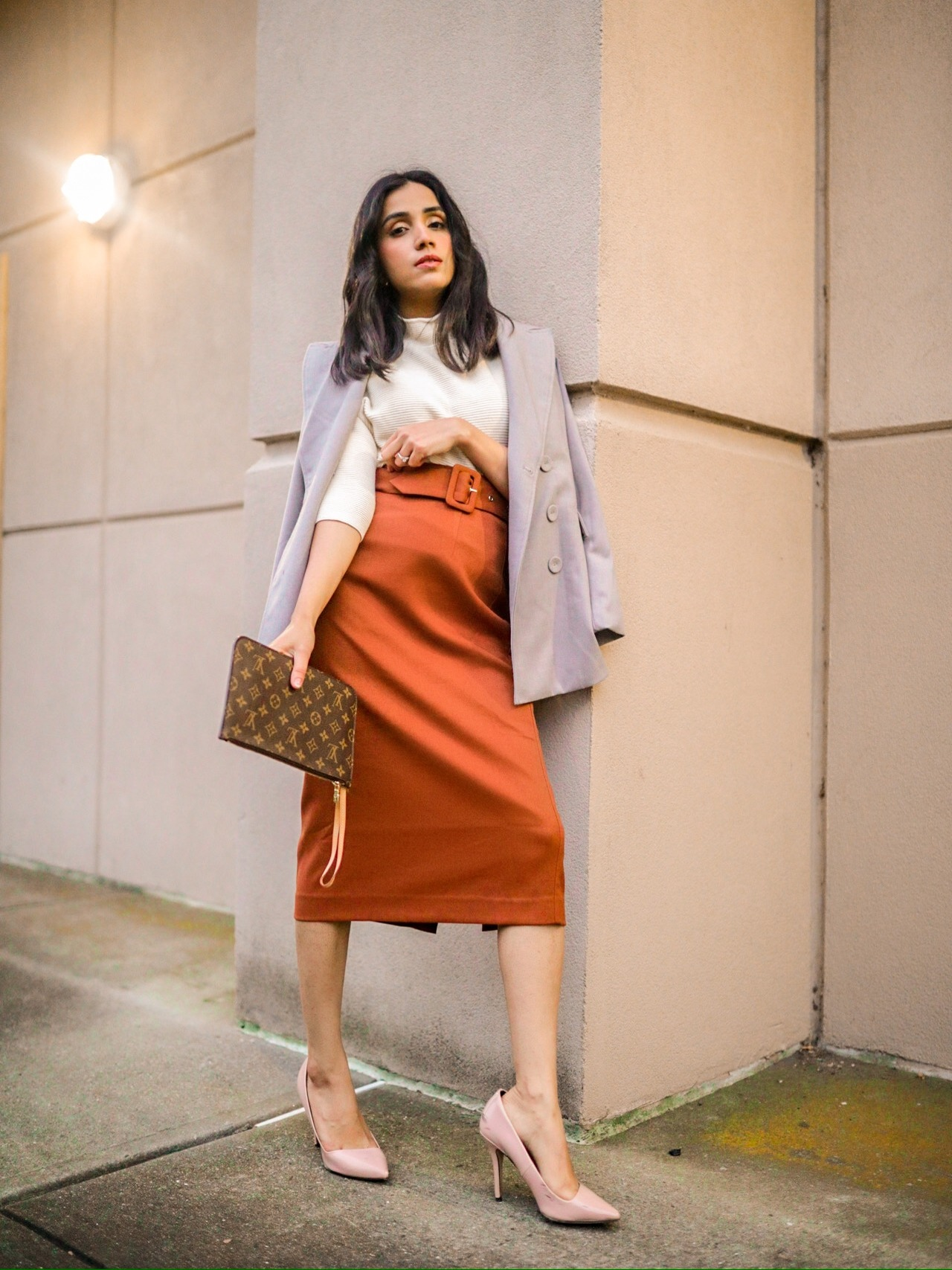 Fall Office Look That Will Get You Tons of Complements faiza inam fall style fall fashion sweater season sincerelyhumble 2020 2