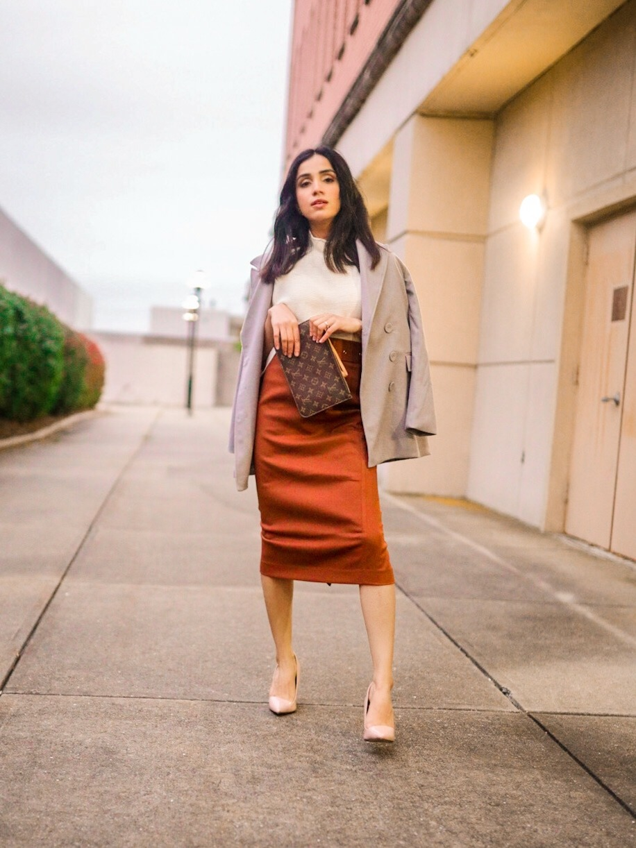 Fall Office Look That Will Get You Tons of Complements faiza inam fall style fall fashion sweater season sincerelyhumble 2020 1