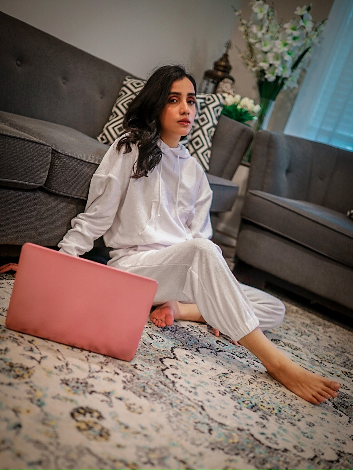 Last-Minute Gift Ideas Guide Faiza Inam Loungewear cozy wear pjs holidays white 1