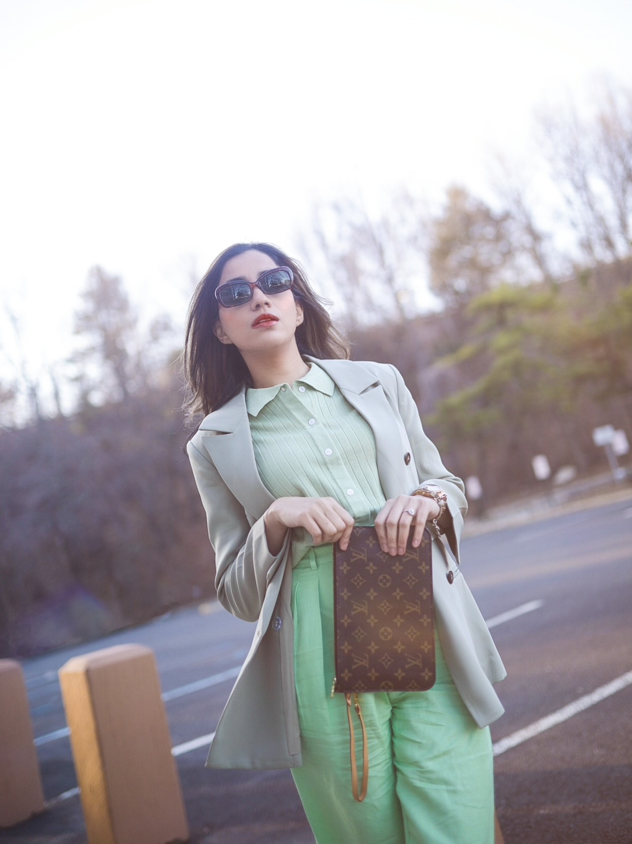 Style Secrets Every Classy Woman Should Know Monchrome look mint green spring colors 1