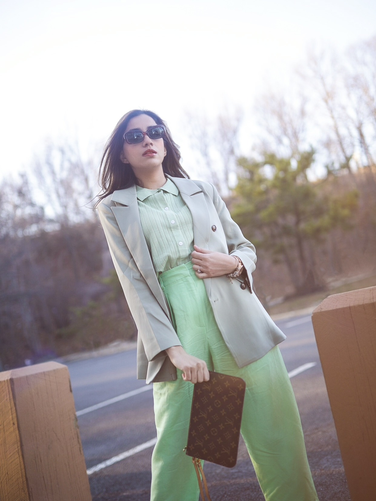 Style Secrets Every Classy Woman Should Know Monchrome look mint green spring colors 2