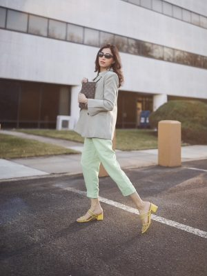 Style Secrets Every Classy Woman Should Know Monchrome look mint green spring colors 3