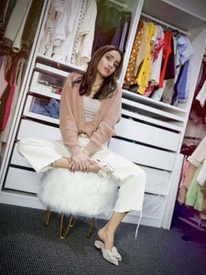 Style Secrets Every Classy Woman Should Know Monchrome look spring colors neutral closet organization 1